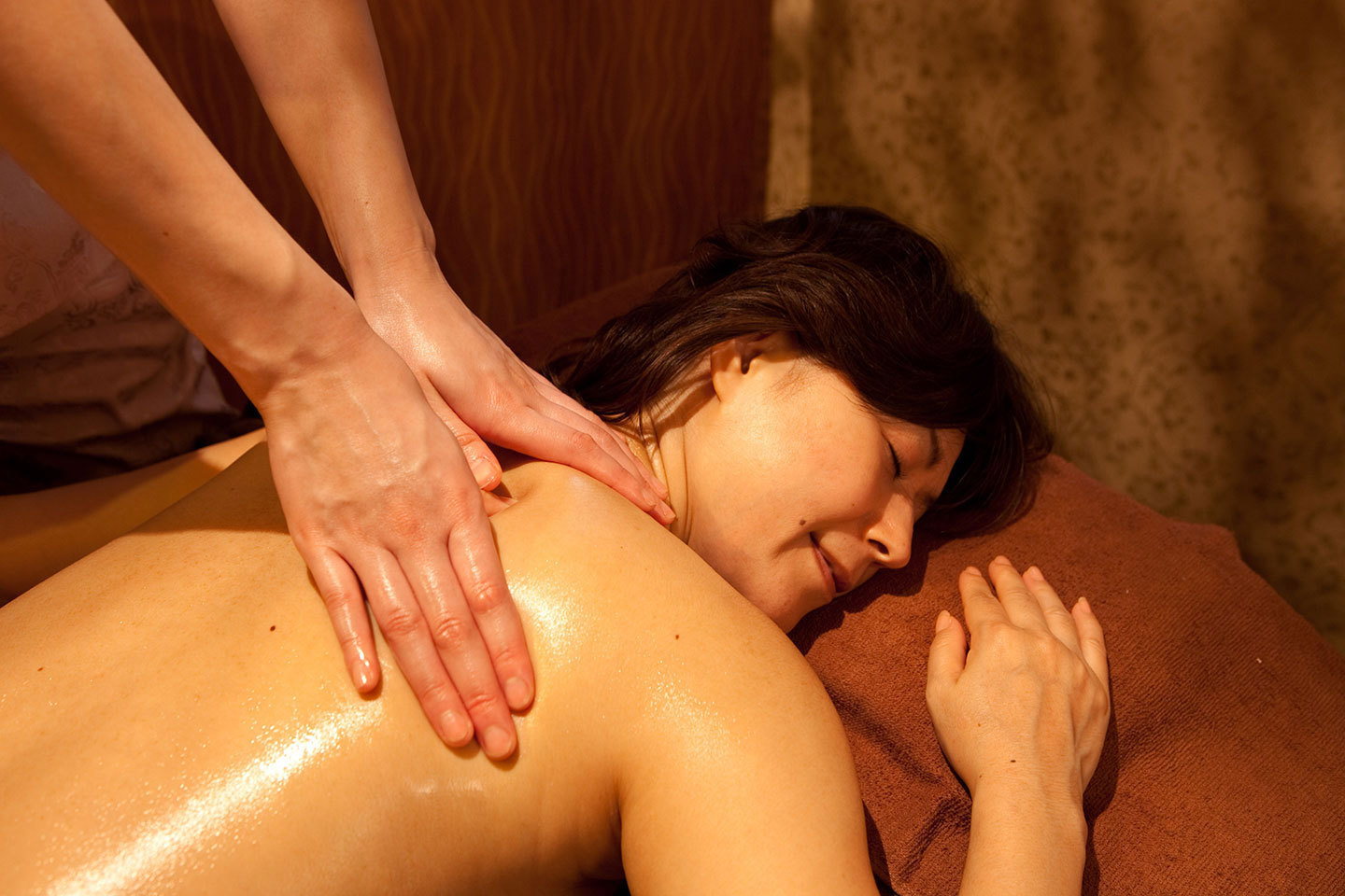 [Losing not body building to the cold, whole body aroma oil course] 70 minutes ★ ¥ 5980