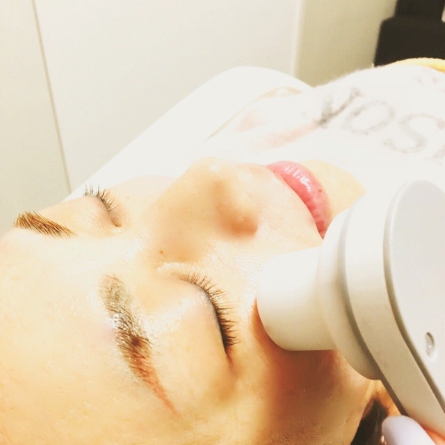 Patchiri at eyes! The double width also expands! Eye / forehead / eyebrows / head ★ Facial muscle training intensive course | 【Small face facial】 salon de VIENNA (Vienna) | Last-minute booking service Popcorn