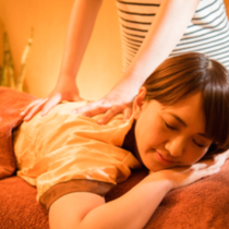 "[70 minutes] classic ♪ systemic tired eliminate Momihogushi + foot massage + Legs Aroma | One dragon relaxation ""Shinjuku Station 10 seconds walk from the east south entrance! East exit 1 minute! "" 