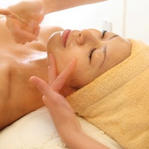 Everyone lymphatic massage (face, neck, decollete, back) | Medical Este Ginza resellers | Last-minute booking service Popcorn
