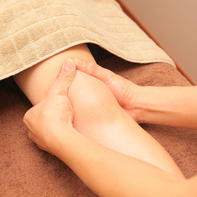 [New / 60 minutes course] Foot + jacket + calf + surrounding reflex ◆ Using luxurious collagen blended oil ♪ | Reflexology & salon salon calf | Last-minute booking service Popcorn