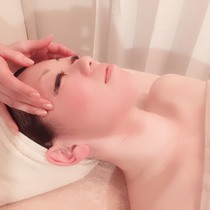To the skin, such as the [women-only] pore-less and transparent feeling UP facial ☆ pottery ♪ | Hipuno reluctance Salon LUCENT (Lucent) | Last-minute booking service Popcorn