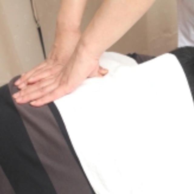 [電視甚至介紹♪]♪業務氣功手法+失真校正60分鐘☆在脖子,肩膀,腰部疼痛,直到您的後顧之憂!人午夜 | 中國氣功元氣操縱研究所(楚玉機制元氣說泰國) | Popcorn 當日 / 即時預約服務