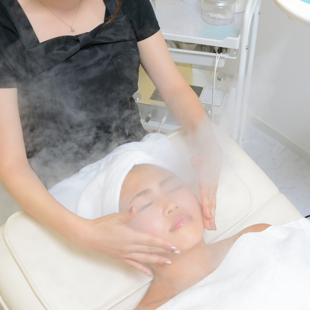 【Pulp on your skin】 Facial course 60 minutes | Wrinkle slug specialty store Silkface | Last-minute booking service Popcorn