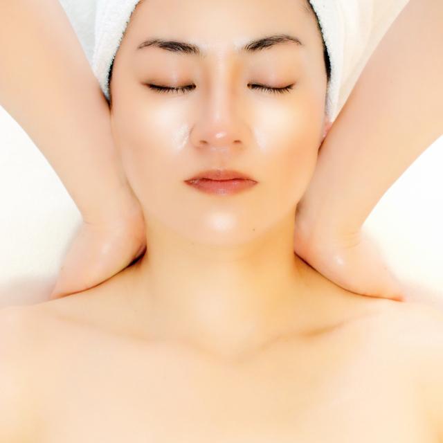 Platinum small face hand de Cori removal facial 50 min ¥ 12960 ⇒ ¥ 6000 | Small face | Last-minute booking service Popcorn