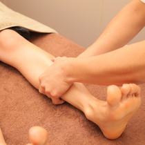 [New / 50 minutes course] With footbath ◎ Legged reflex + Hand reflex ◆ Collagen blended oil temporarily ♪ | Reflexology & salon salon calf | Last-minute booking service Popcorn
