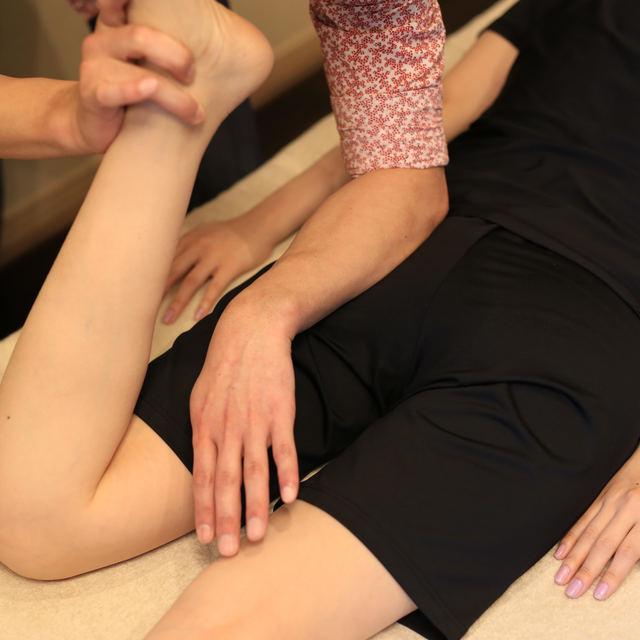 全身を根本矯正して肩こり・腰痛を本格改善♪姿勢矯正+小顔矯正(90分) | BODY⁺ PLUS TOKYO(ボディプラストーキョー) | 当日予約・直前予約 ポップコーン