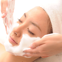 [初回限定]毛穴をキレイ♡ぷるぷるお肌に*お顔の毛穴洗浄&保湿トリートメント*(90分) | エステティックサロンsin | 当日予約・直前予約 ポップコーン