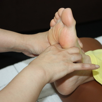 [Oriental therapy !!] [reincarnation menu] trying reasonable to experience the oriental therapy! The sole of the foot care 30 minutes Course | Oriental manipulative Center | Last-minute booking service Popcorn