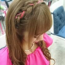 駅からすぐ!!☆デート、二次会前にもお手軽に♪編込みカチューシャ巻きおろし◇[月~土曜14:00~20:30限定] | Hair make Tiara(ヘアーメイクティアラ) | 当日予約・直前予約 ポップコーン