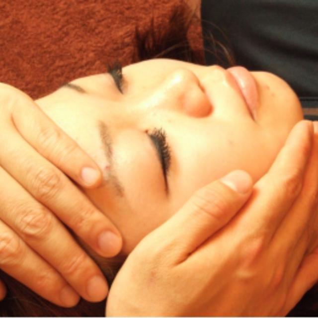 小顔整体【頭痛、顎の調整、表情筋・頭皮スパ】
