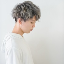 """Men's limited, weekdays limited"" Men's cut with scalp shampoo ¥ 4320 (Saturday and Sunday + 540 yen separately) 