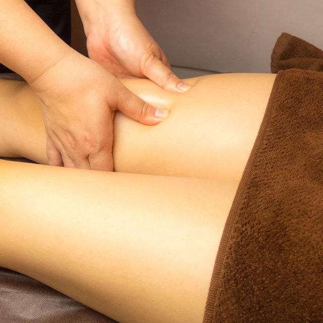 リフレクソロジー(足の疲れや浮腫みのある方にお勧め)