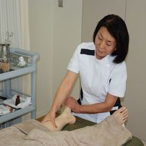 Meridian oil massage 25 minutes course that can be firmly stimulate the pot | Makoto Hongo clinic | Last-minute booking service Popcorn