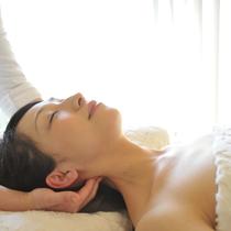 顔の疲れ解消☆リフトアップ・毛穴引き締めフェイシャル | エステティックサロン émotion((エモシオン) | 当日予約・直前予約 ポップコーン