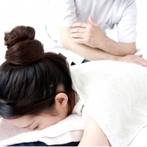 [Many times Available!] ♪ original doctor and that you are familiar with the body towards the practitioner! Manipulative 45-minute course! Stiff neck and low back pain is a concern | Hachiman manipulative Institute Yoyogi Park Station | Last-minute booking service Popcorn