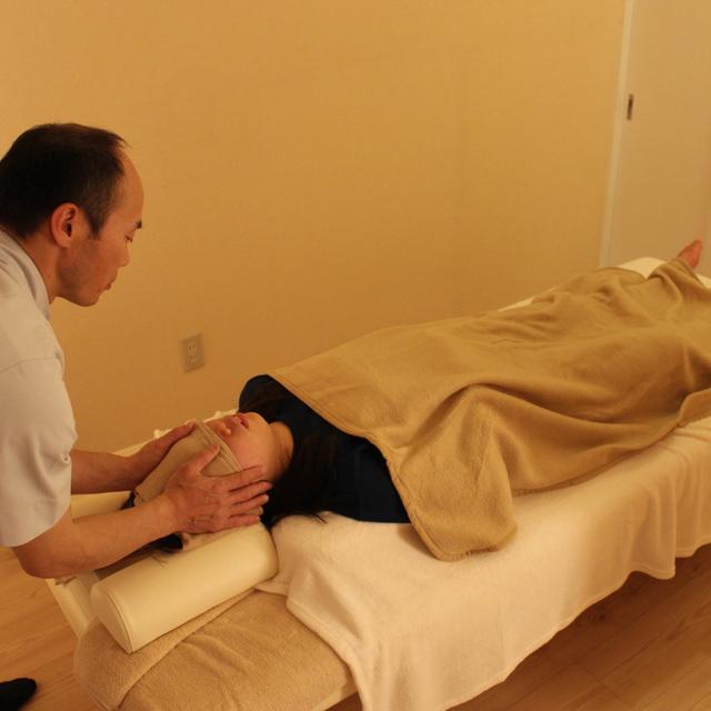 [肩こり・腰痛・偏頭痛でお悩みの方へ]ミラクルウェーブ療法(25分)+ヴィッシュコース(Ⅰ)+頭部タッチング(15分)セット( 計90分) | トータルバランス整体ナチュラル | 当日予約・直前予約 ポップコーン