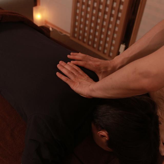 和美躰式整体マッサージ (60分コース) Core massage(60min)