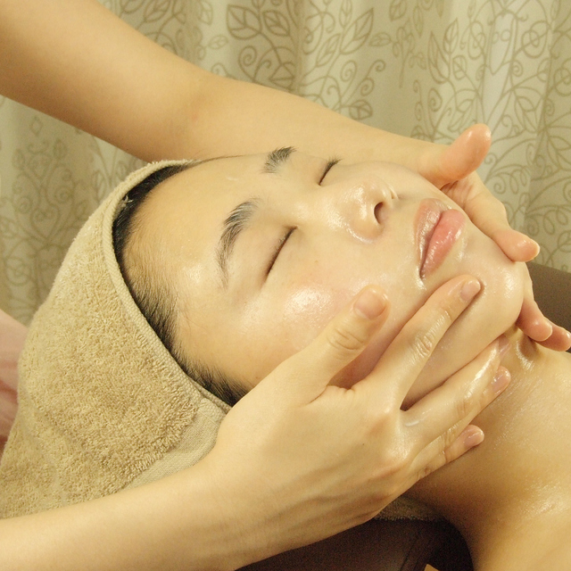 [Woman limitation] business 70 minutes * small face facial face muscles lift * firming serums use * from morning 8 am to 24 | salon de miya (Salon de Miya) * Operating morning from 8 am to 24 | Last-minute booking service Popcorn