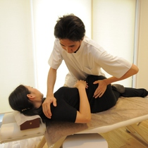 For women of director recommended !! tired ♪ skeleton adjustment 40 minutes + lymph drainage 20 minutes set course ☆ | 1-minute walk from the healing treatment this Miya Motosumiyoshi | Last-minute booking service Popcorn