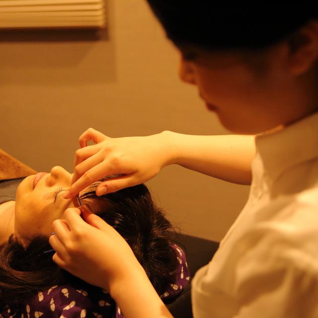 [初回の方限定]美容鍼 30分コース 【ペア予約OK 電話ボタンからどうぞ~】 | 鍼灸マッサージ salon ここち 恵比寿店 | 当日予約・直前予約 ポップコーン