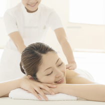 "[30% OFF] realize your ""I want to rejuvenation"" ◎ aroma lymph massage 60 minutes course Station Chika! Motomachi Chinatown station a 2-minute walk from ♪ No. 1 opening ※ change of clothes there 