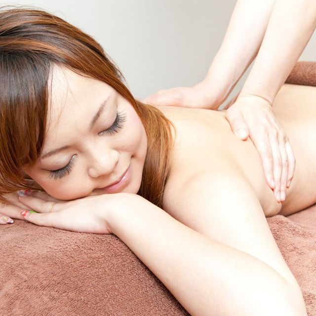 HOT whole body aroma treatment with herbal putt + intestinal therapy [60 minutes] usually 12,960 yen | Linn Ebisu -natural healing salon- | Last-minute booking service Popcorn