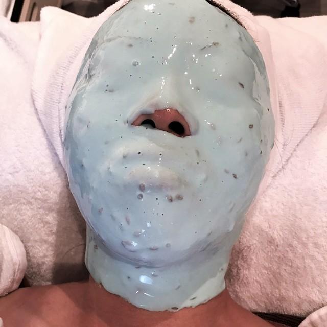 フェイシャルマスクと背面オイルケア【透明感UP・保湿・沈静】