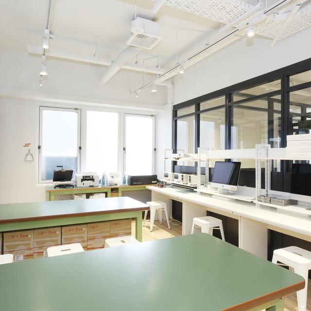 工作室(work room) (1日 3,000 円)