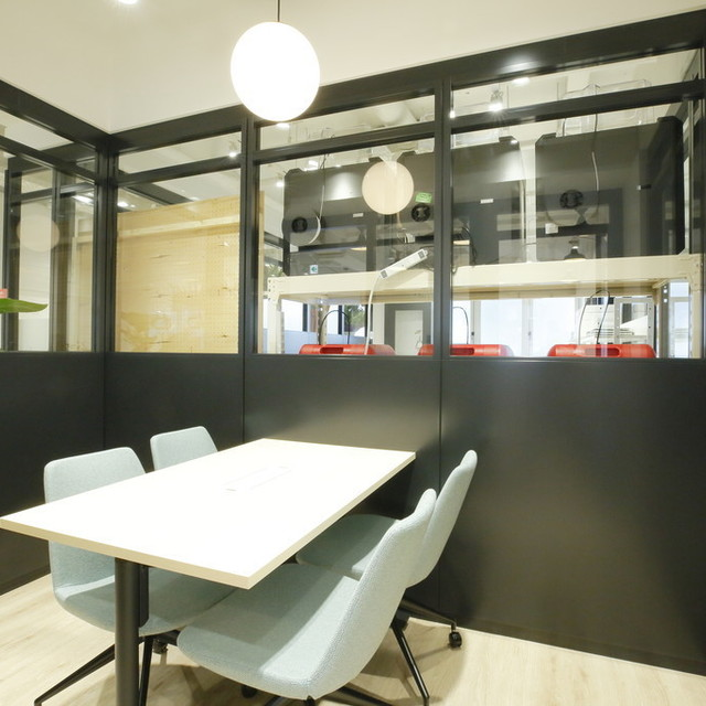 会議室2(meeting room2) (60 分 1,500 円)