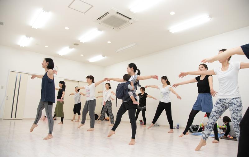 BalletoneERI月極 〜ダンススタジオアトムズ〜