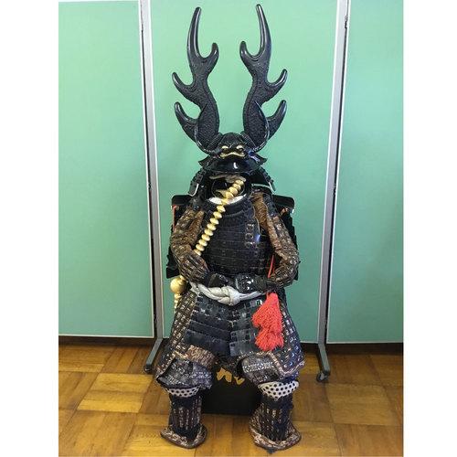 「本多忠勝」の甲冑体験 プレミアム甲冑で笹尾山散策!