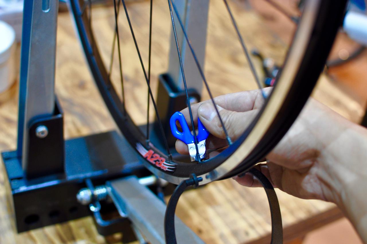 Basic04 : Wheel Truing / ゆがんだ車輪を直しましょう