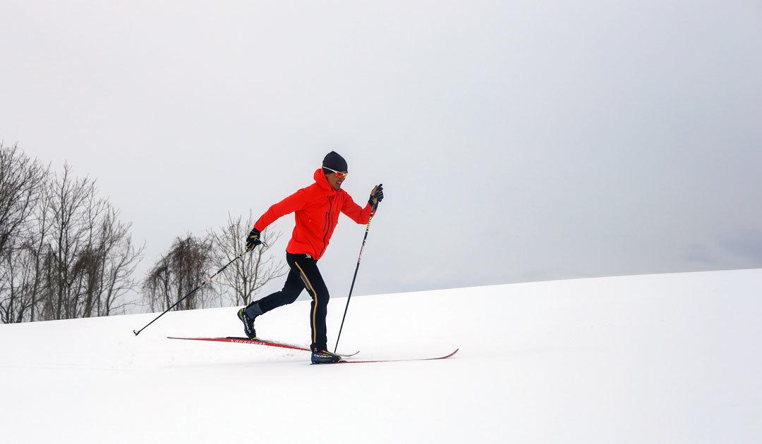 山田琢也の「トレイルランナーのための冬の新しい遊び クロカンスキー」