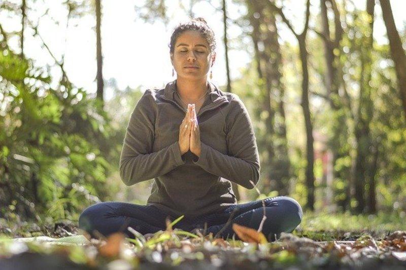普段の生活にヨーガを活かしストレスを減らす全8回集中コース
