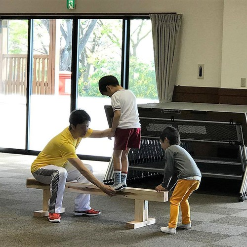 4,5歳児クラス☆ジョージ先生の楽しい体幹トレーニング教室