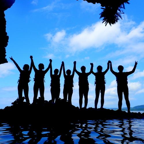 【半日/AMまたはPM】石垣島 青の洞窟シュノーケル+ジャングル/滝つぼトレッキング(コース③)