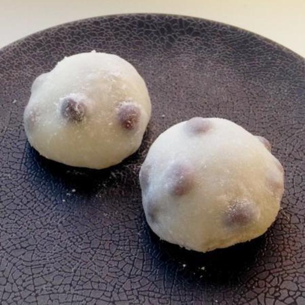 12月 季節の和菓子:大福(豆大福、ベリー、山椒) Dec: Difuku mochi