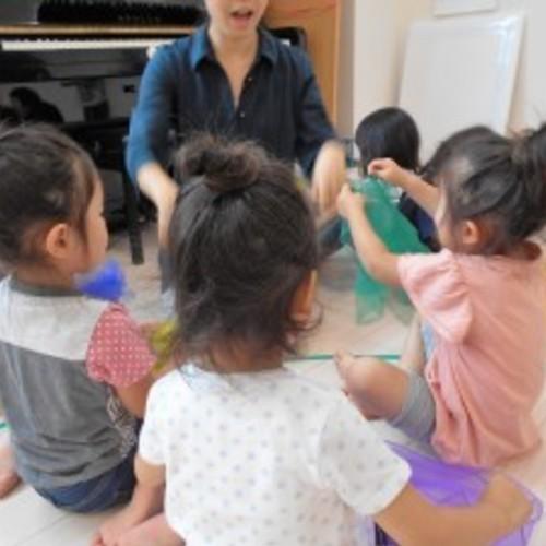 【1-2歳クラス】大好評!!0-2歳親子リトミック♪(全5回)2歳児募集中です!