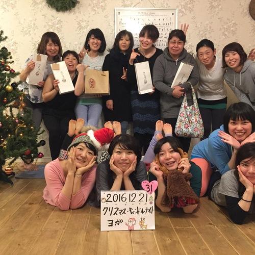 クリスマスキャンドルナイトヨガ★☆☆
