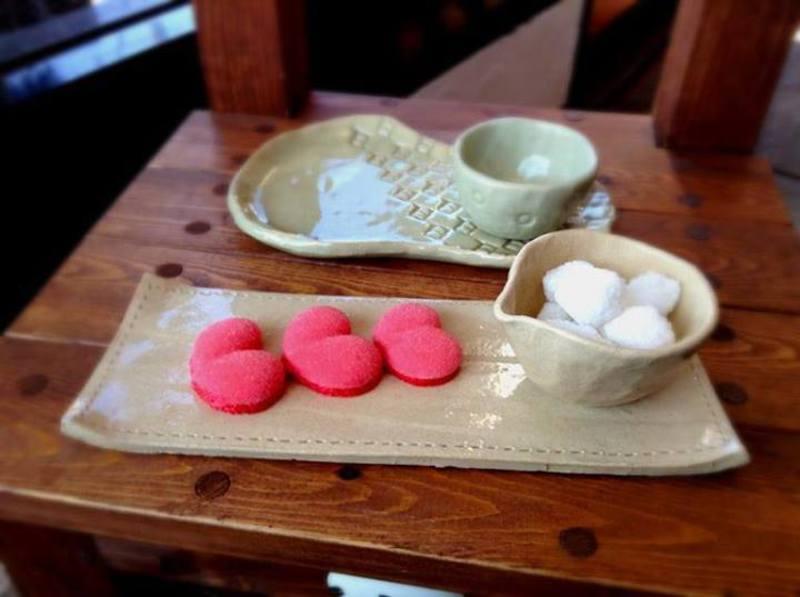 手びねり陶芸ワークショップ「カフェトレイ作り」