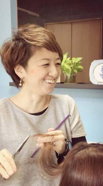 鹿野恵利子 (Beauty Consultant(ビューティーアドバイザー)