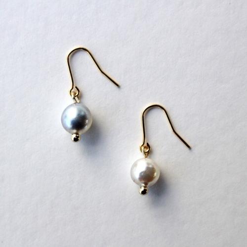 貝から取り出してつくるアコヤ真珠のピアス/イヤリング/ネックレス