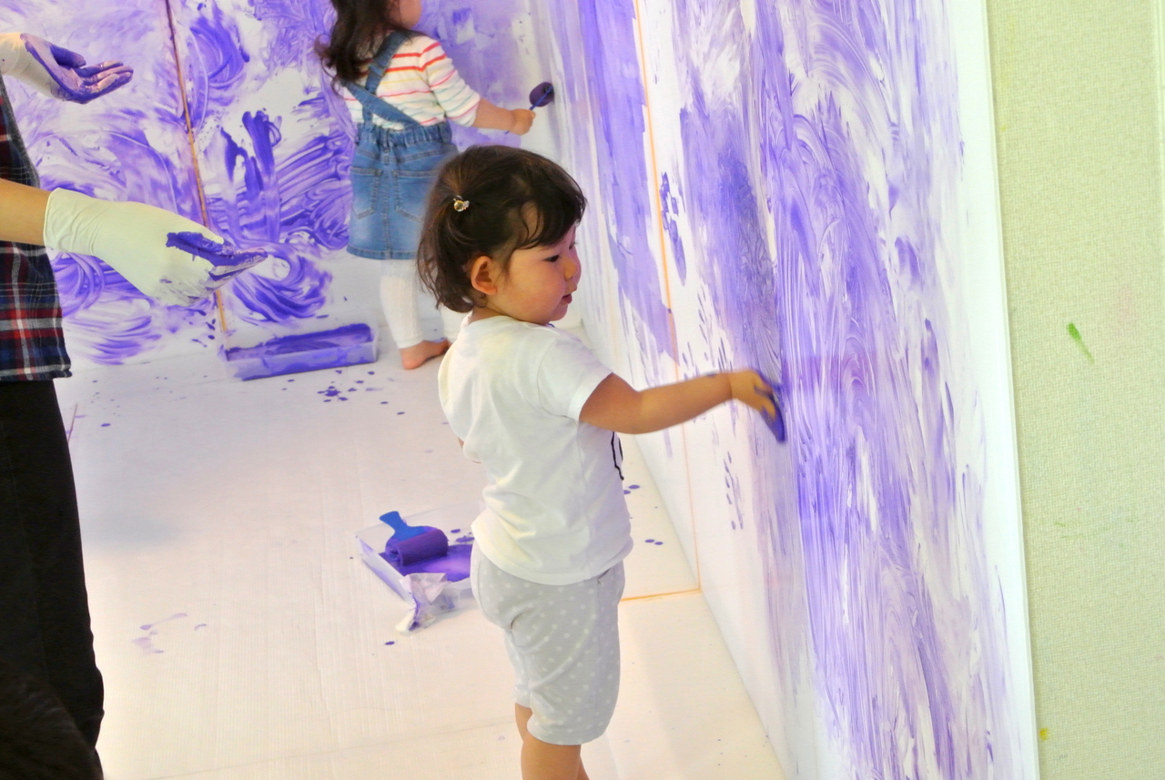 [2歳] 全身でペイント!Baby FREELY☆color(色)