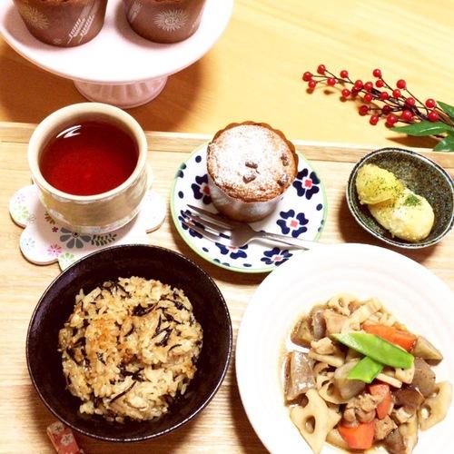 筑前煮・ひじきの炊き込みご飯・こふき芋コンソメ風味・カップケーキ