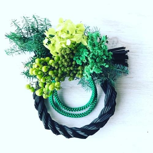 【自由が丘】Botanica Flower School / 黒色のしめ縄を使った『お正月飾り』作り