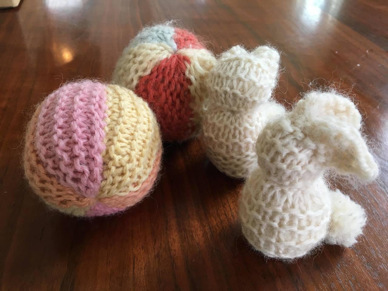 色とりどりハンドメイド「ボールやうさぎを作ろう」~棒針編み入門編~