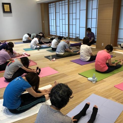 キャンサーヨガ&ピラティス教室 10月20日(日)10:15〜11:45