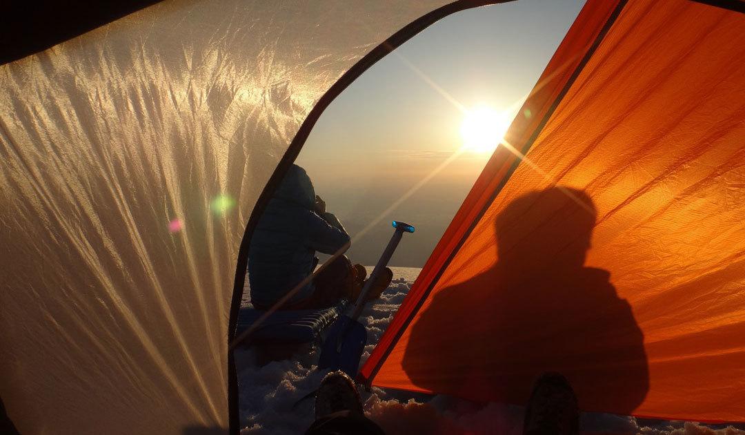 雪山で快適に過す、テント選びと使い方のコツをお教えします、テント泊講習会