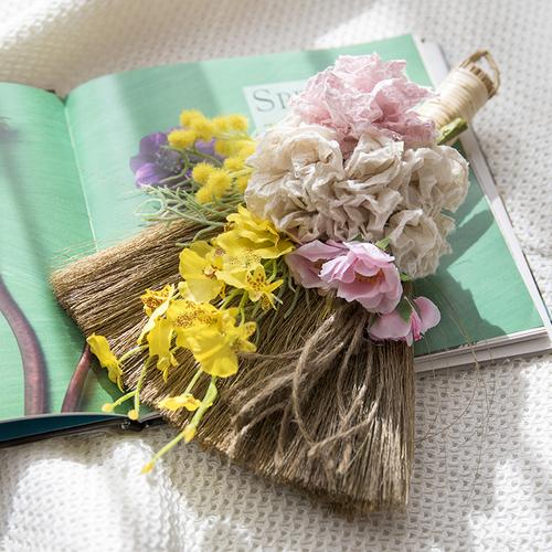 【3月】ユネスコ無形文化遺産「細川紙」で作る幸せを呼ぶほうき飾り